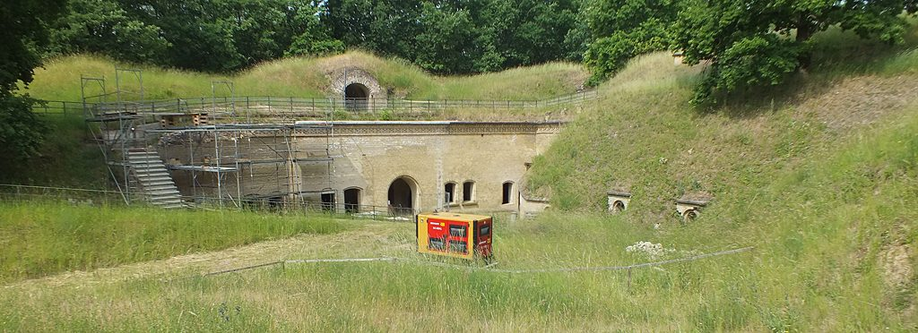 Stromaggregat im Fort